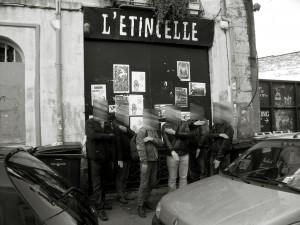 photo 12 groupe  Flouté Quenelle noir et blanc Angers 23 novembre 2013